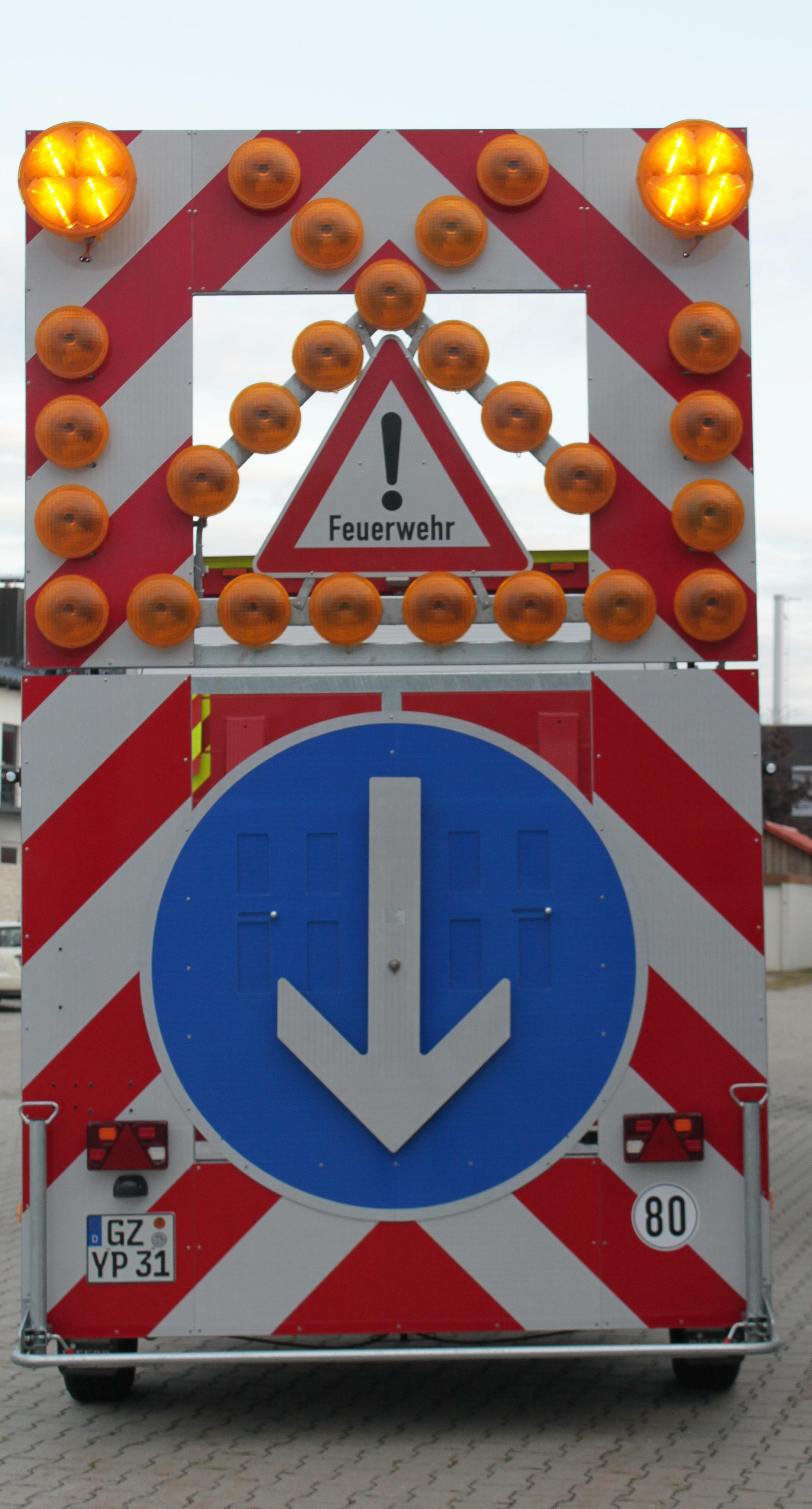 Verkehrssicherungsanhänger 1